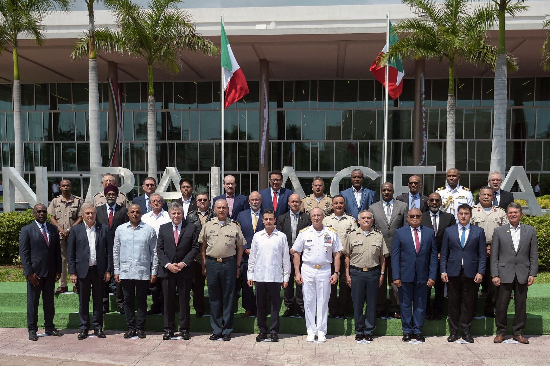 Perú: Ministros de defensa maniobran acciones para la lucha contra el narcotráfico