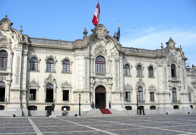 Vizcarra se reúne con el PPK en el Palacio de Gobierno