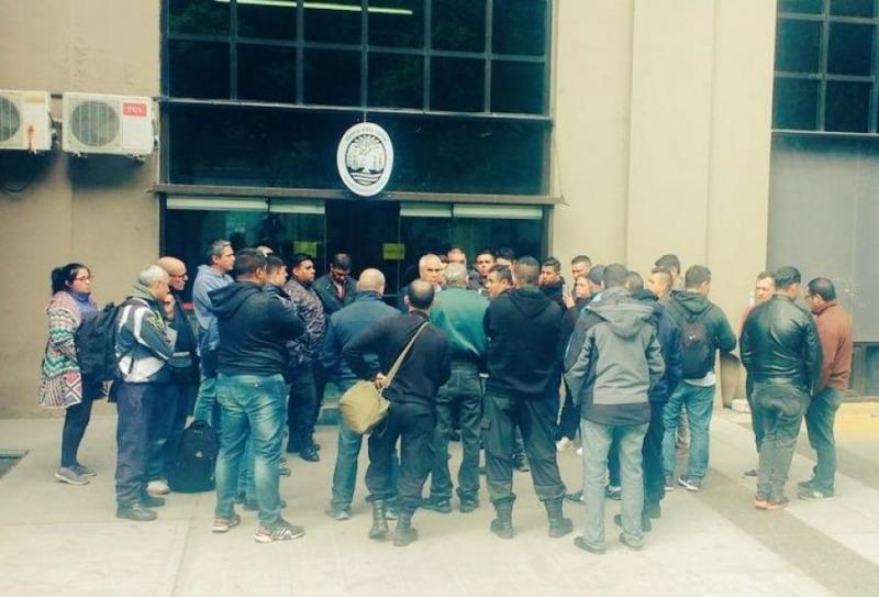 Argentina. Policías toman Ministerio de Seguridad y exigen regresar a la Federal