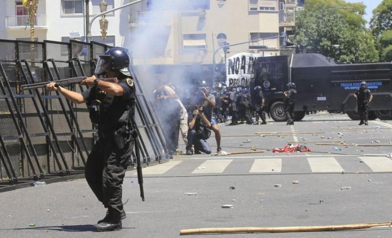 En lugar de proteger la vida de los ciudadanos, el Estado impone la violencia