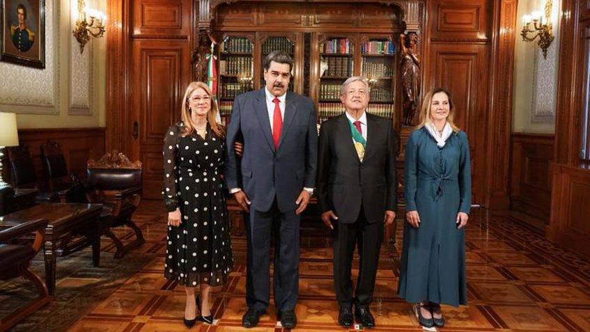 Nicolas Maduro fue recibido por López Obrador en el Palacio Nacional de México