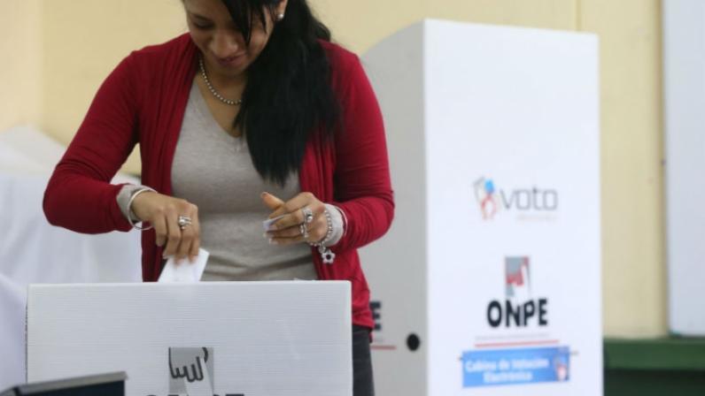 Perú. El referéndum, busca poner frenos a la corrupción