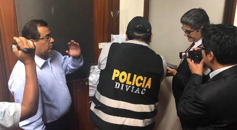 Se frustró nuevo allanamiento a oficina de Juan Manuel Duarte asesor de Pedro Chávarry