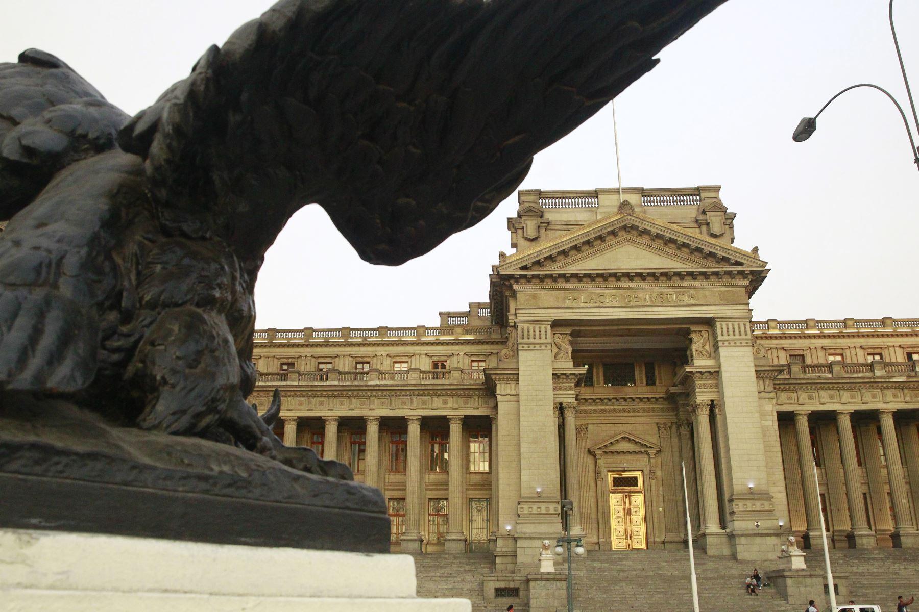 Perú: Es ordenado el impedimento de salida del país a Raúl Salcedo