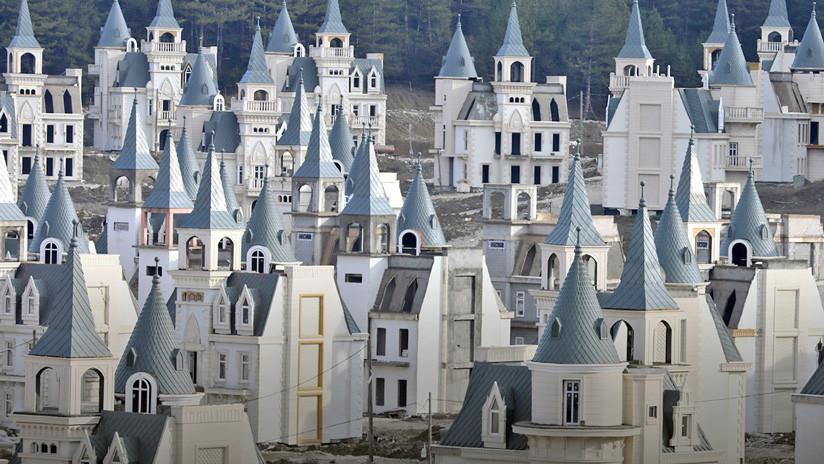 Esta es la ciudad fantasma de los castillos Disney