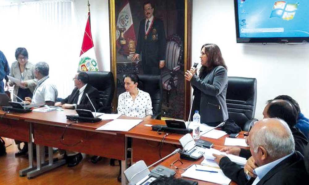 Perú: Gobierno se compromete a no concesionar ni privatizar las empresas de agua