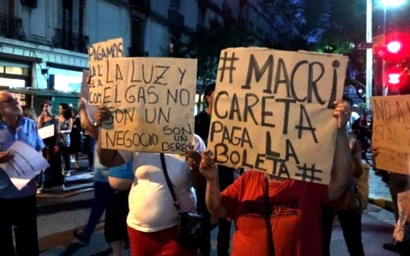 Argentina: Séptimo ruidazo en repudio a los tarifazos de Macri durante su cumpleaños