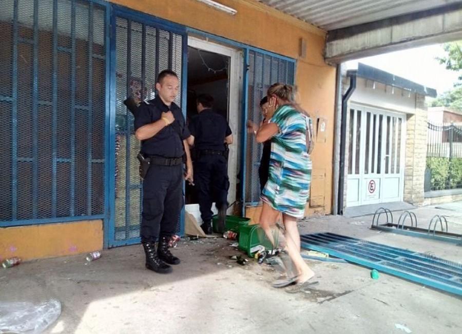 Argentina: Supermercado chino en Colón es clausurado y saqueado posteriormente