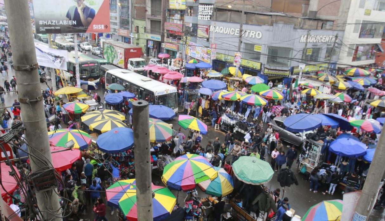 Perú. Miles de comerciantes informales de La Victoria pasan a la ilegalidad