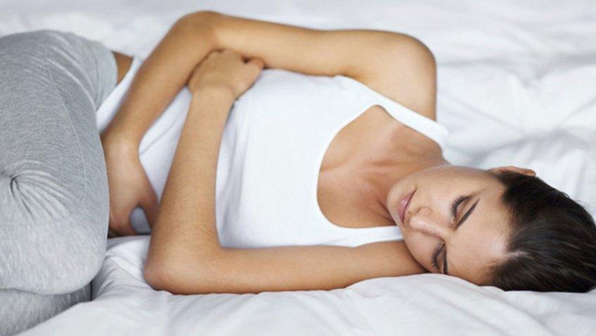 Mira cómo reducir los gases durante la menstruación