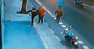 Buenos Aires: un policia de la Ciudad mató a un hombre ebrio de una patada. VIDEO